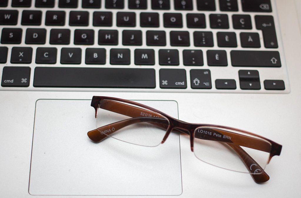 Three Reasons To Buy Prescription Glasses Online